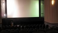 ¿Para qué esperar al día siguiente a leer la crítica de una película que te interesa si puedes leerla en directo mientras el crítico la está viendo en ese momento...